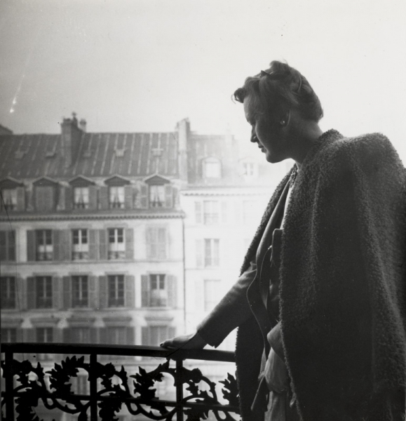 Julia on the balcony of the Pont Royal Hotel, Paris, Fall 1948 by Paul Child. Image courtesy of Schlesinger Library, Radcliffe Institute, Harvard University