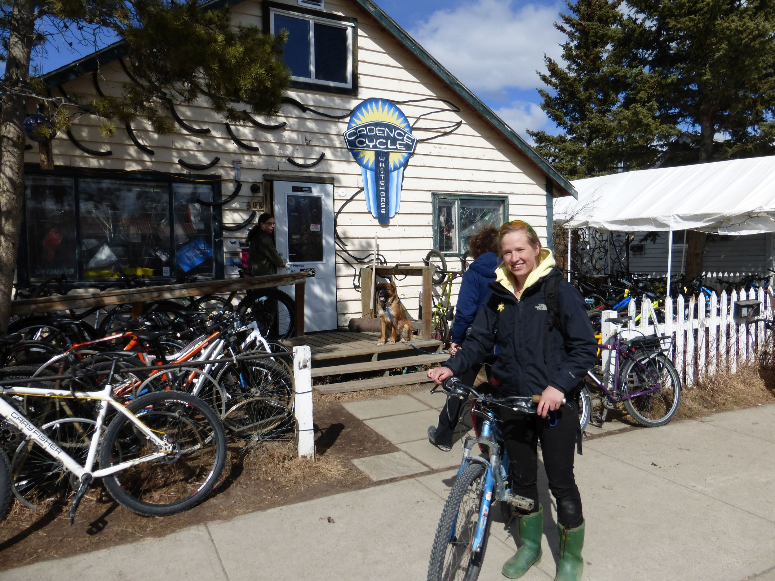 When I was at the bike shop I ran into Anna, she had cycled The Dempster when she was 17 with her sister (15) and I met her last year at the Yukon river and then at Whitehorse. It's a small world up here!