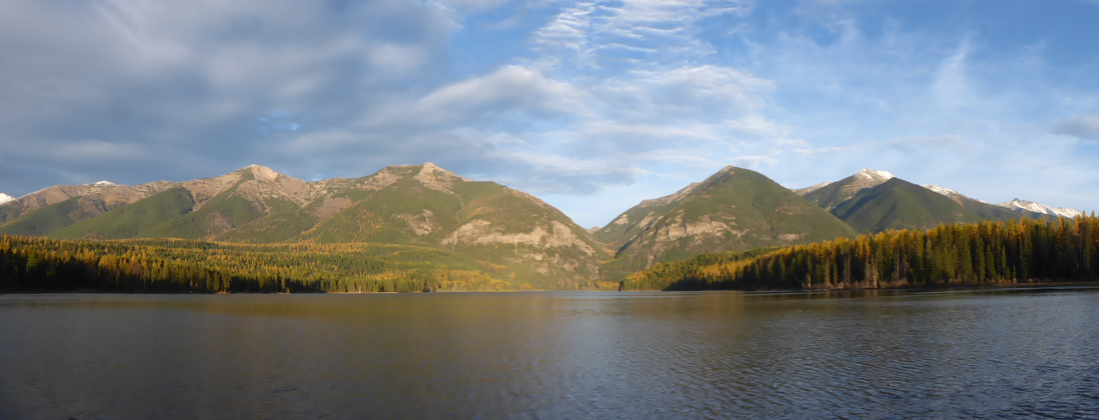 Another beautiful lake, an empty campground and the mountains.