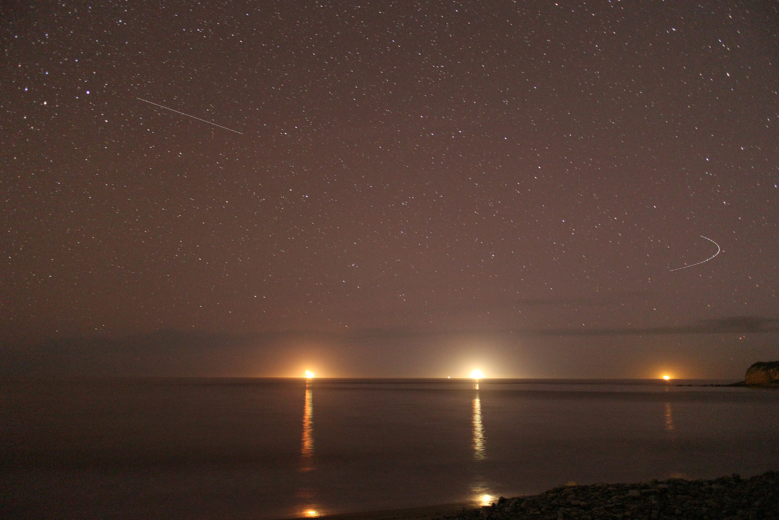 When I was in San Francisco, Marc showed me how to take night shots, thank you! (Those are oil rigs off the coast)