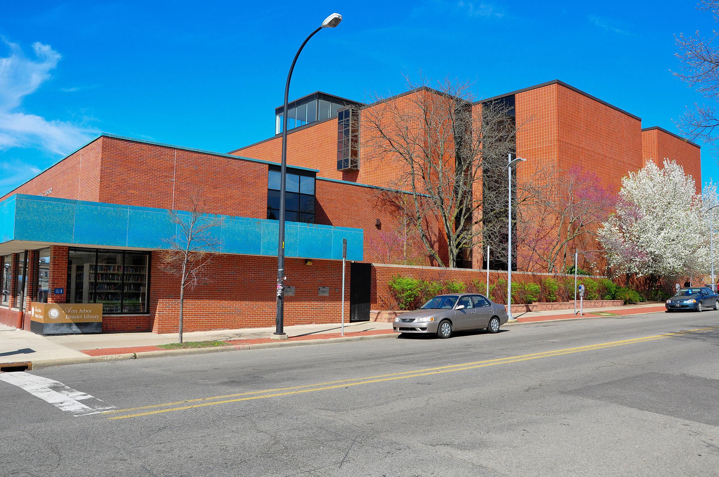 Ann_Arbor_District_Library.jpg