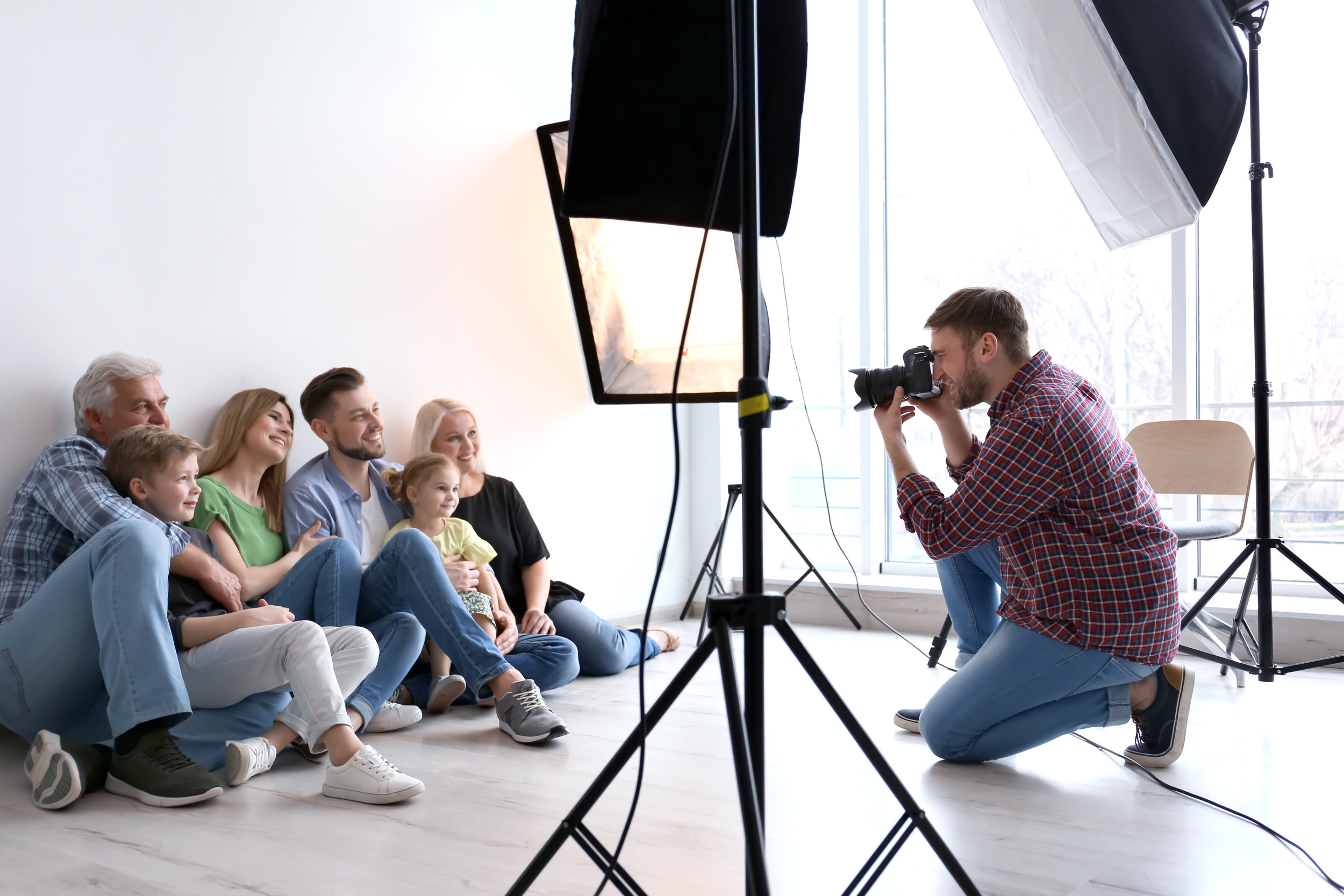 KNICKERBOCKERS IS HIRING! - Seeking highly motivated portrait photographers with 1-2+ years experience