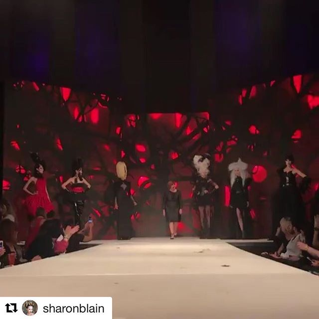 #Repost @sharonblain with @get_repost ・・・ WHAT A MOMENT 🎊🎊 SWIPE TO VIEW ➡️ The adrenaline running through me is crazy 😝Thank you to @goldwellus inviting me and @hairbrained_official for capturing more amazing moments 💪🏼💥 #hairplay18.