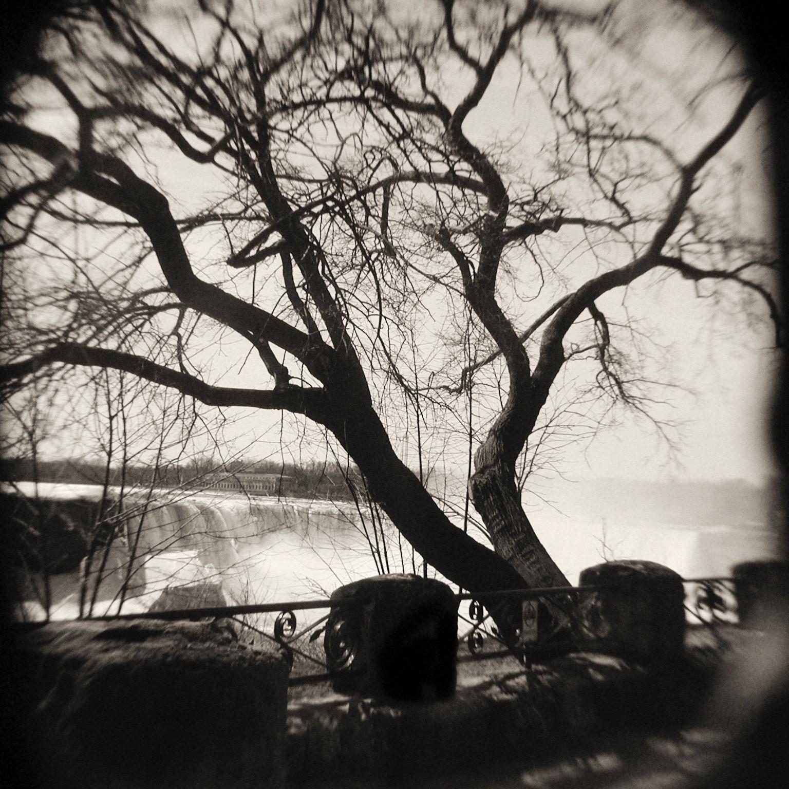 obscured_horsheshoe_falls.jpg