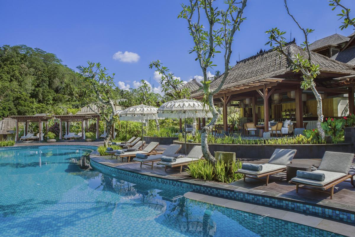 Ritz Carlton Bali_Pool Bar_9430.jpg