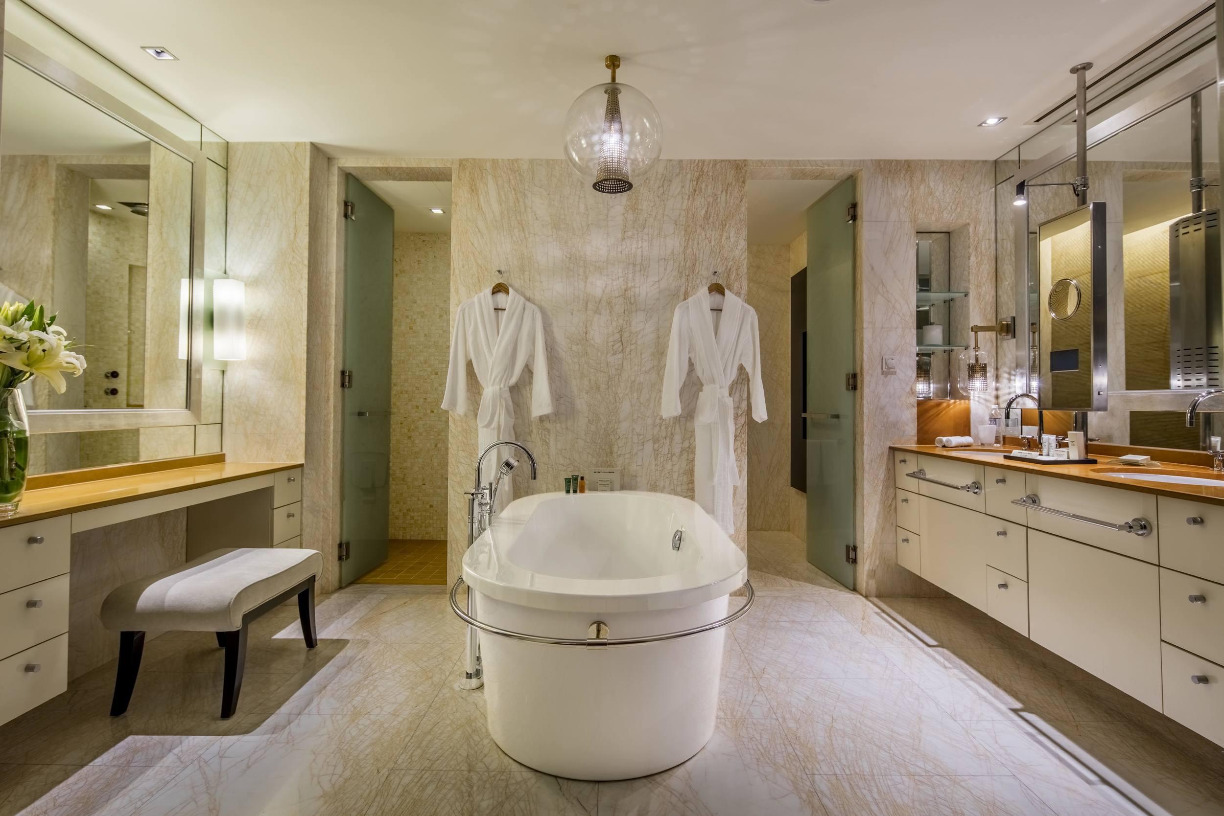 PresidentialSuite-Bathroom-v1.jpg