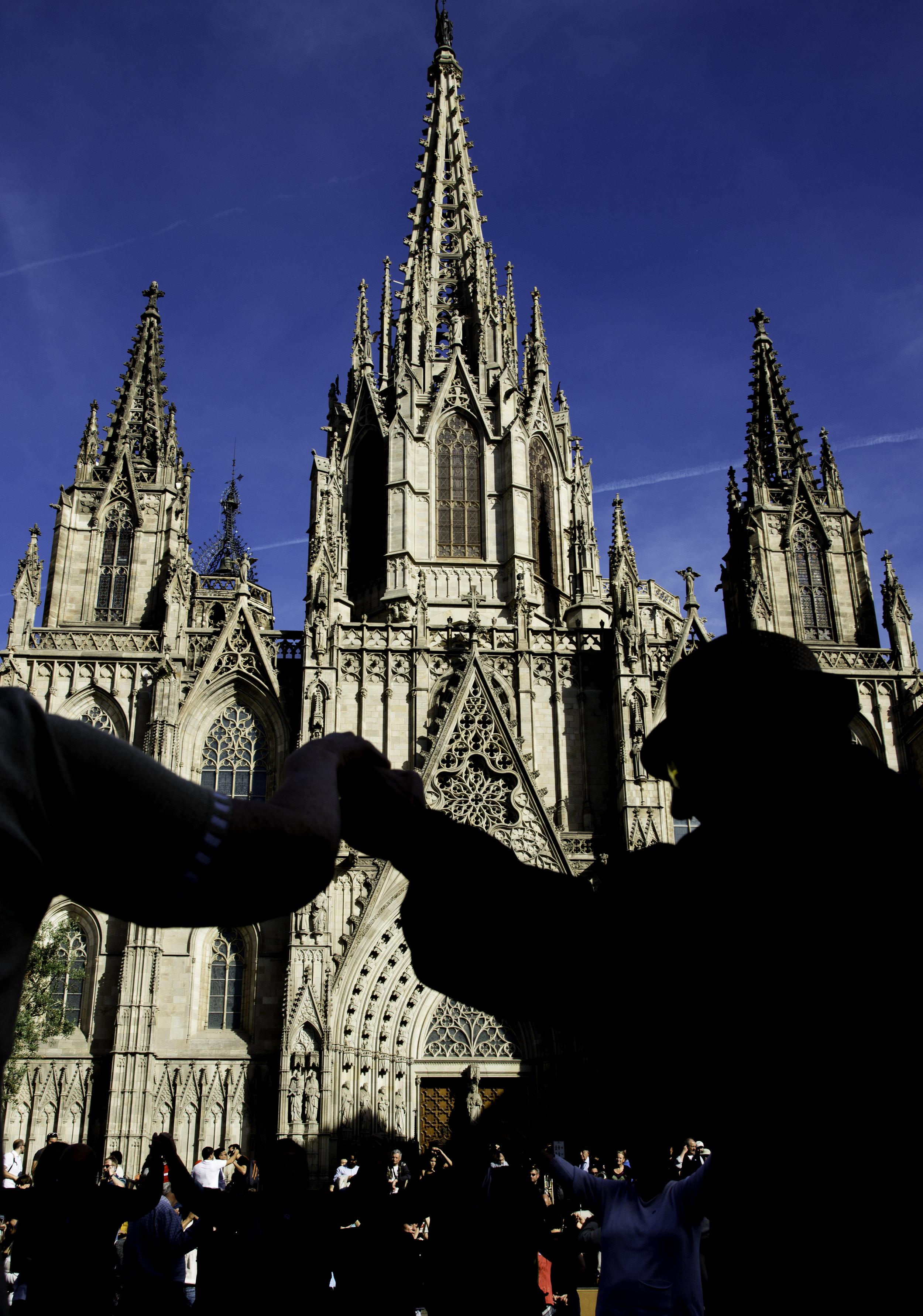 Catalan dancers 2.jpg