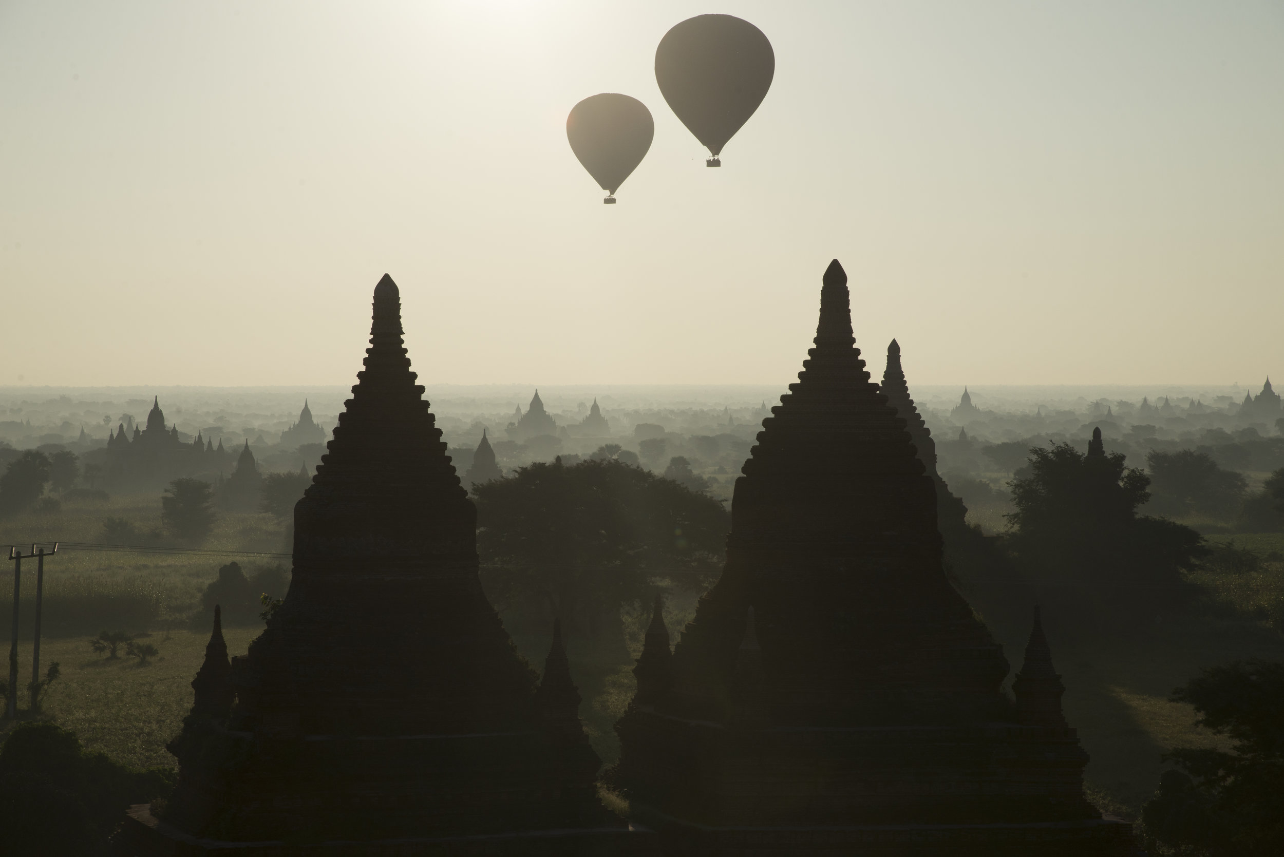 _4.27 Hot Air Balloons, Bagan Temple Complex.jpg