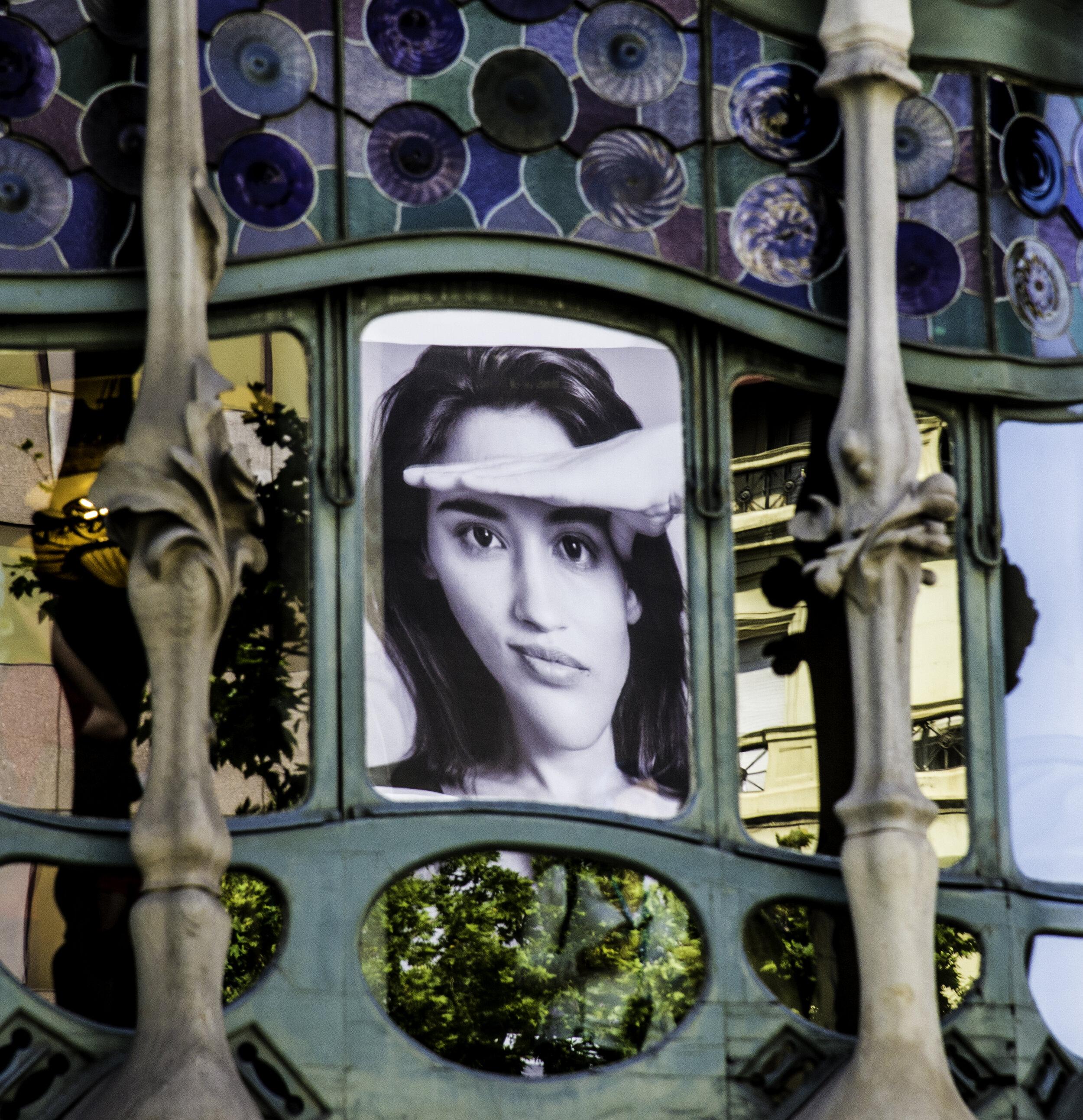 _6 Billboard reflected in Casa Battlo, Barcelona.jpg