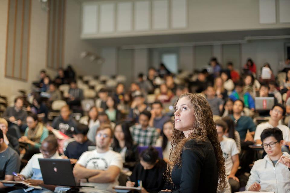 IMG_6932-Barb-Morra-teaches-undergraduate-students-for-web.jpg
