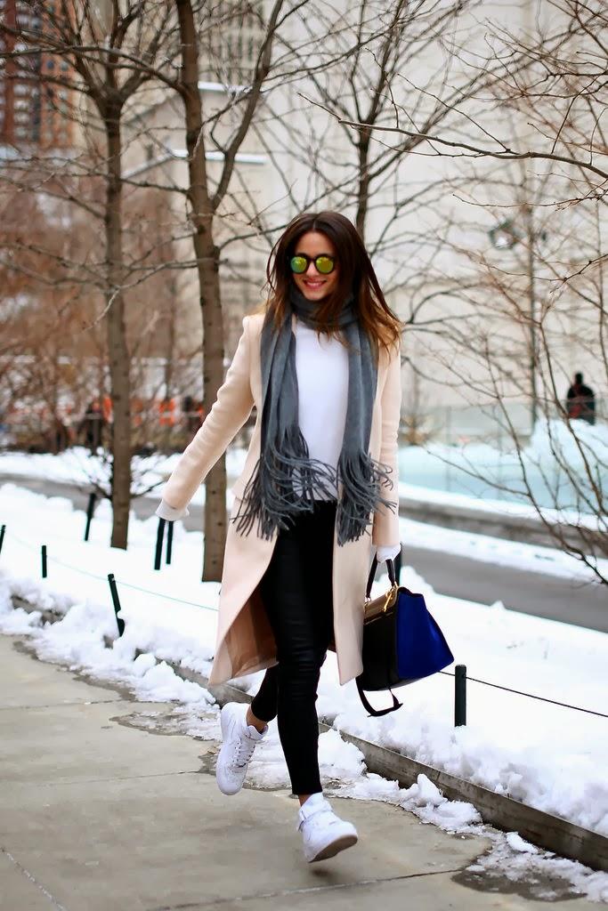 fashionweekstreetstyle3-4-slide-ZGBO-jumbo.jpg