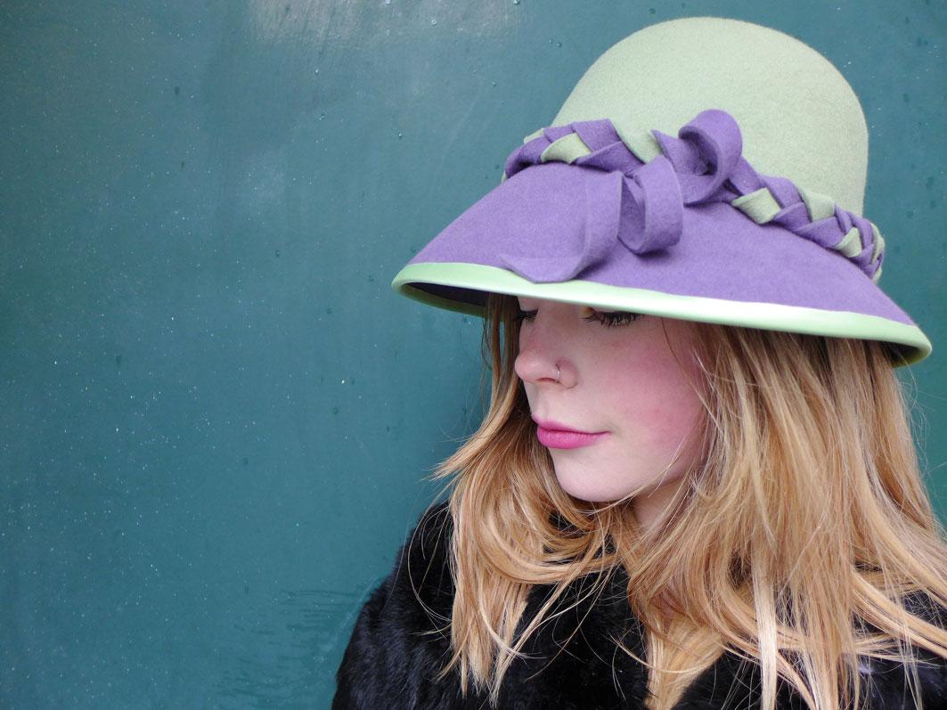 Cloche_green_purple2.jpg