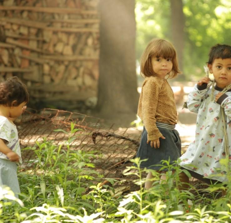 Roma children 2.jpg