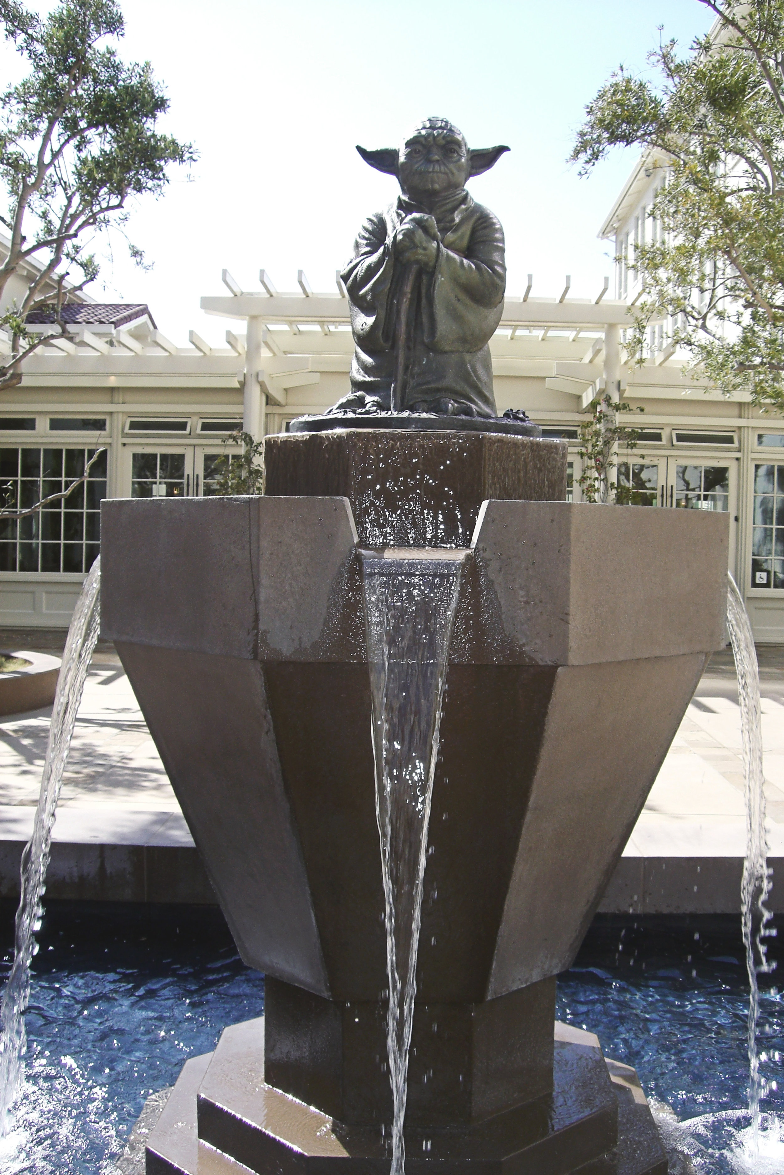 Yoda fountain (cool so he gets a photo feature!)