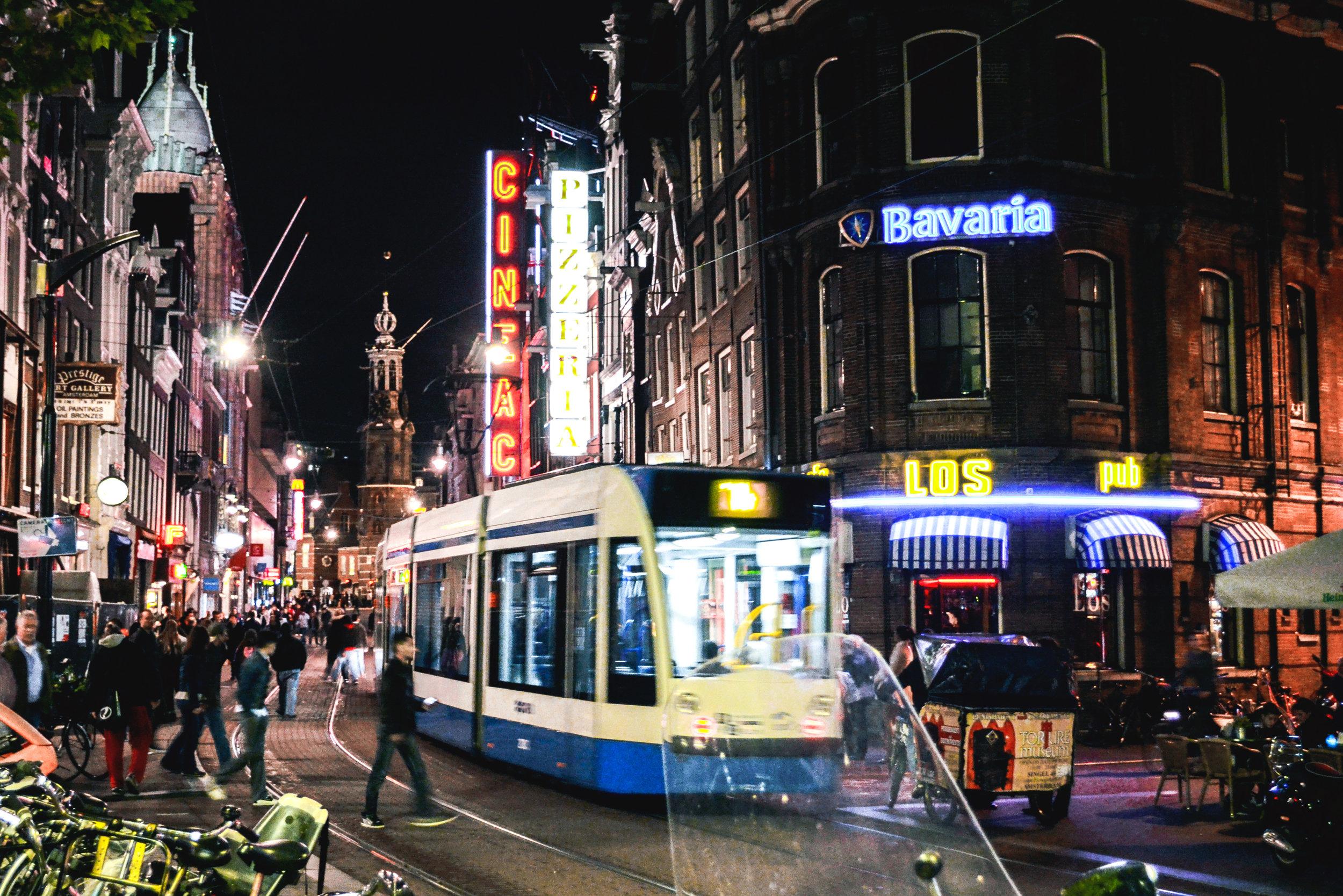 amsterdam-tram-02.jpg