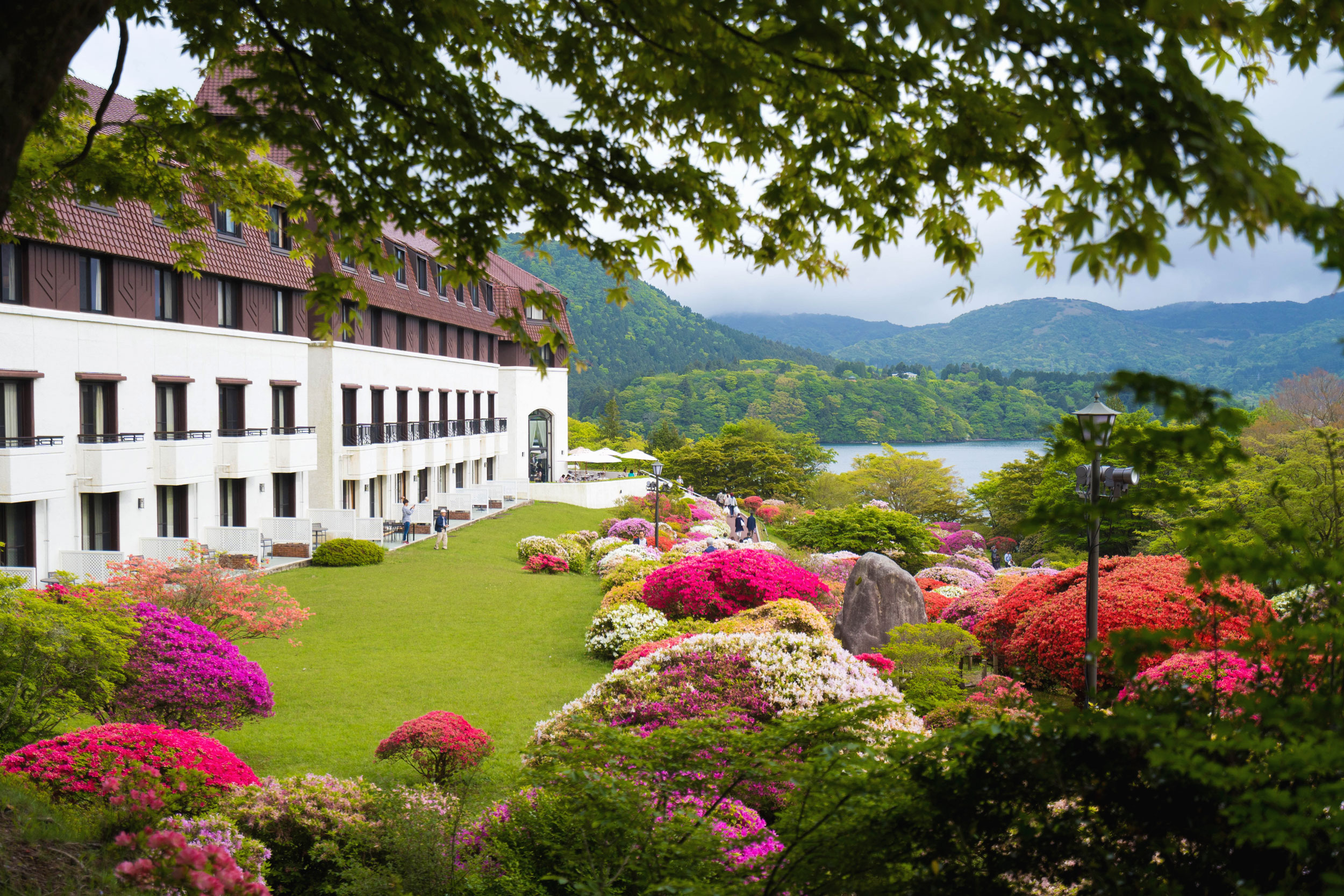 Hakone's Hotel de Yama with its garden in full bloom