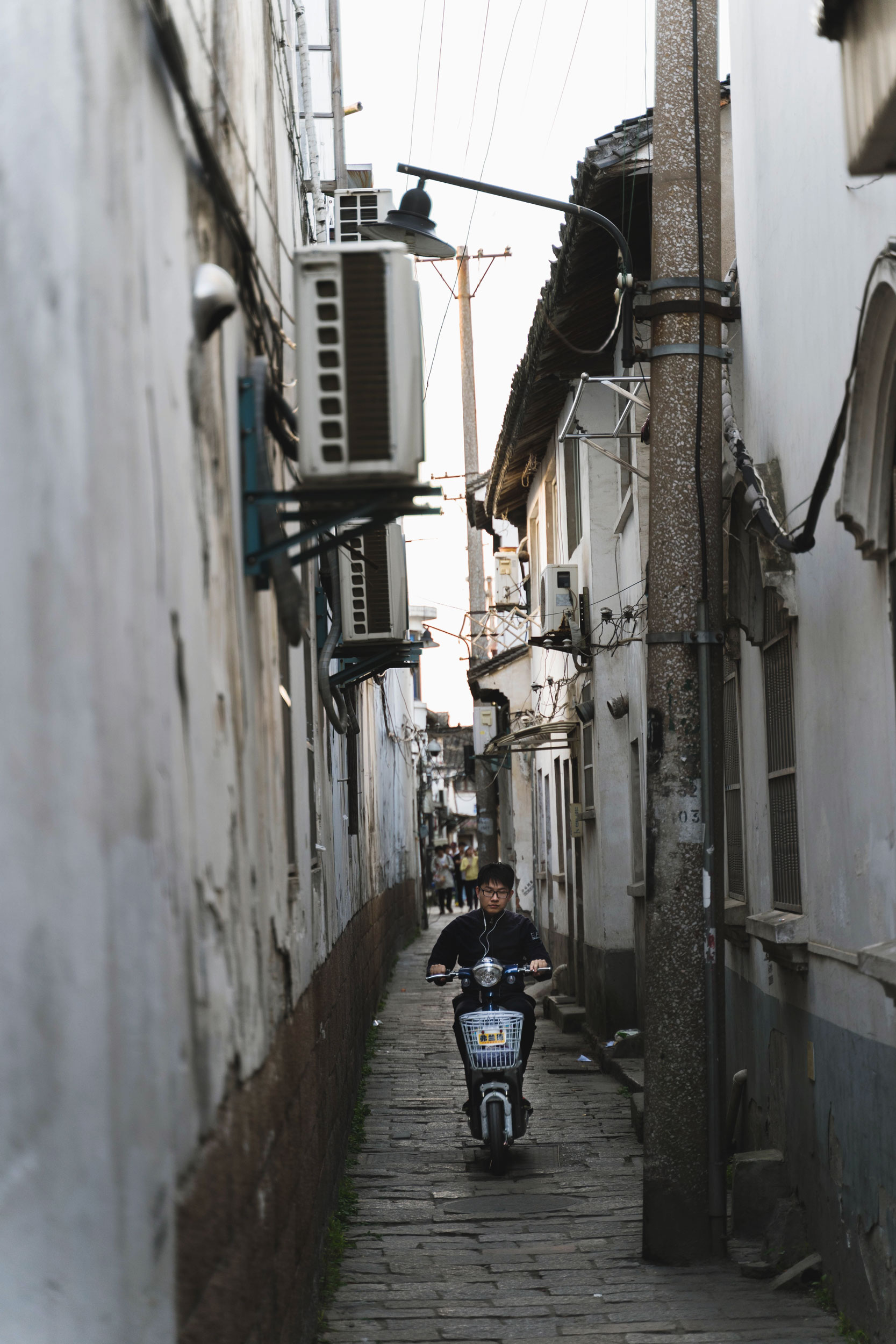 Moped and alleys