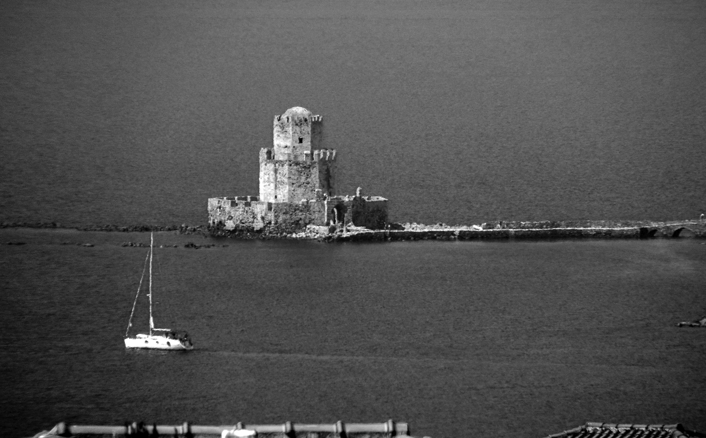 Methoni black and white - photo by Nikos Markopoulos