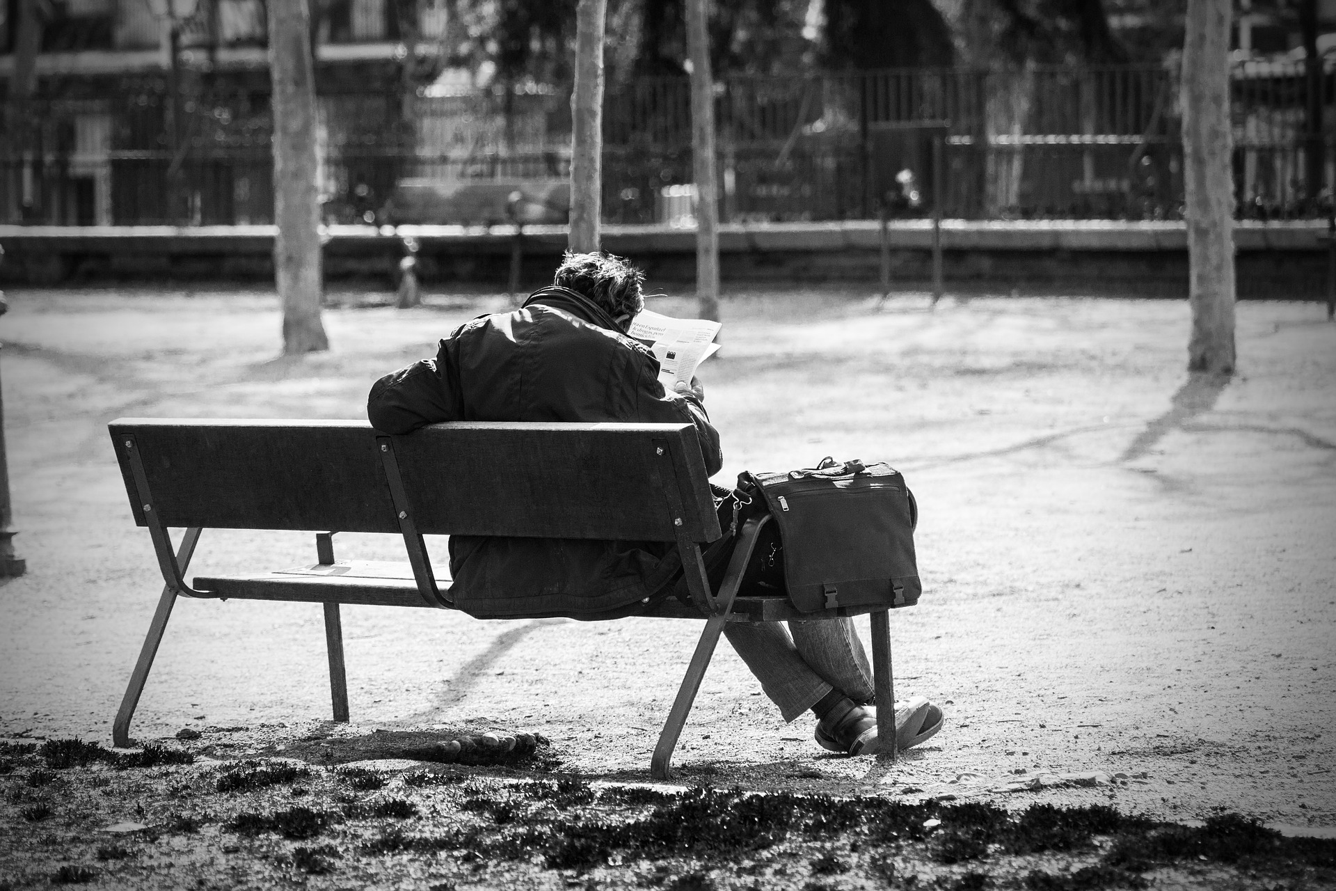 man-on-a-bench-2069539_1920.jpg