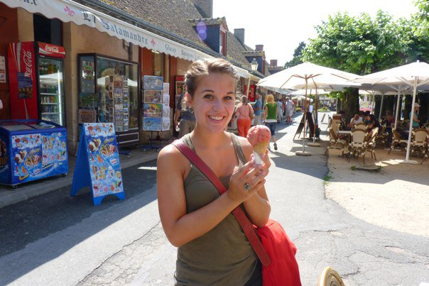 18 year old Rachel, a few weeks after going vegetarian, in the middle of France. She was tan, she was tiny, she had sorbet and all was right in her world. #throwback