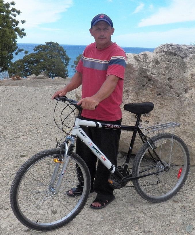 Mission Pastors Receive Bicycles (2).jpg