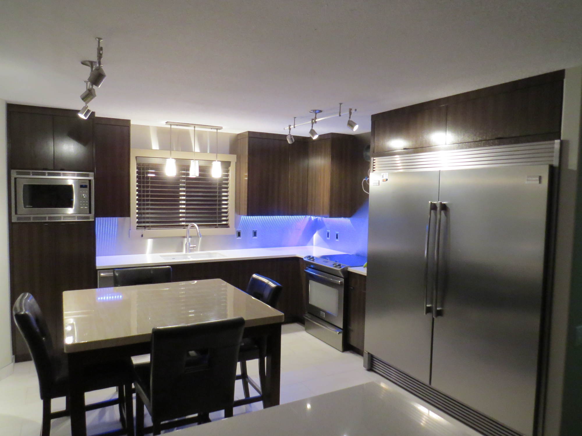 Build360Home_Kitchen_Stainless.PNG