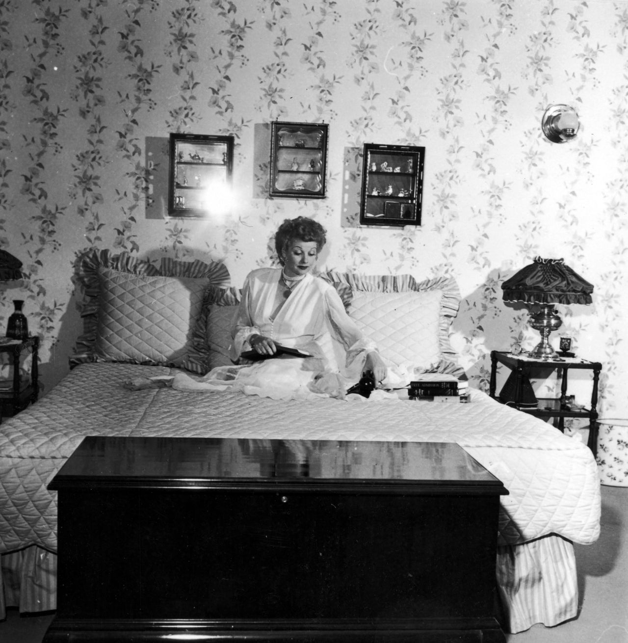 gallery-1436471039-lucy-bedroom-archive-photos.jpg