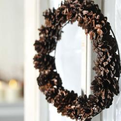 natural_pinecone_wreath_medium.jpg