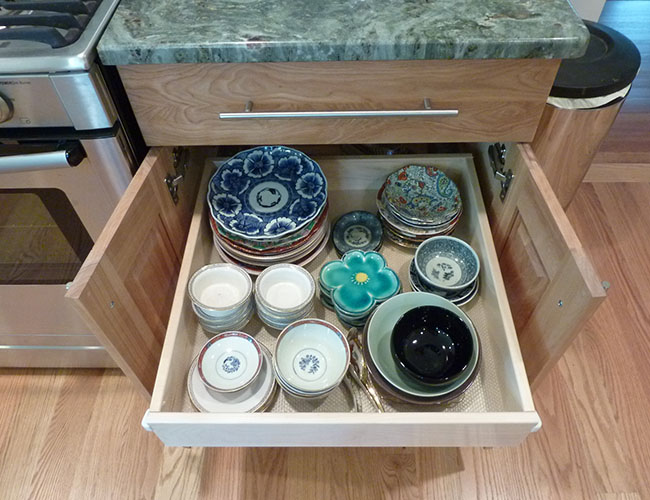 Pullouts maximize accessible storage.