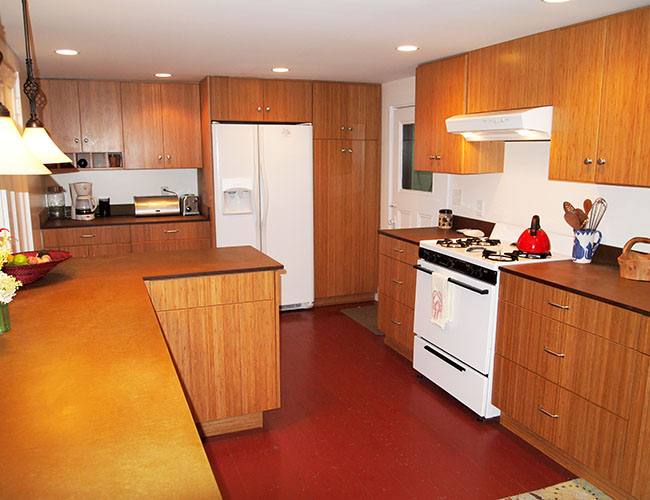 Vacation home bamboo kitchen