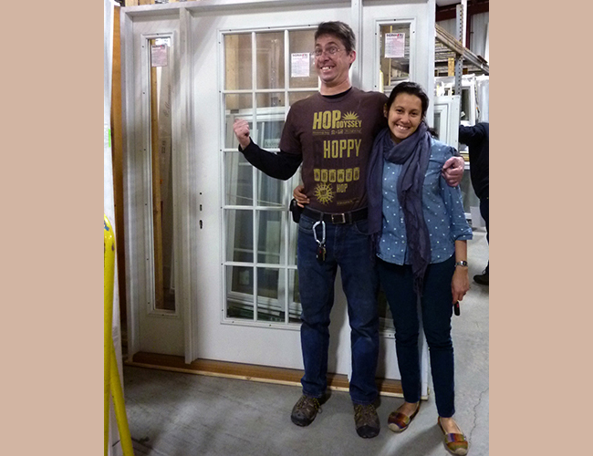 "Matt Koestner and Catalina López picked up a Therma-tru entry door. ""This will bring in lots of light."""