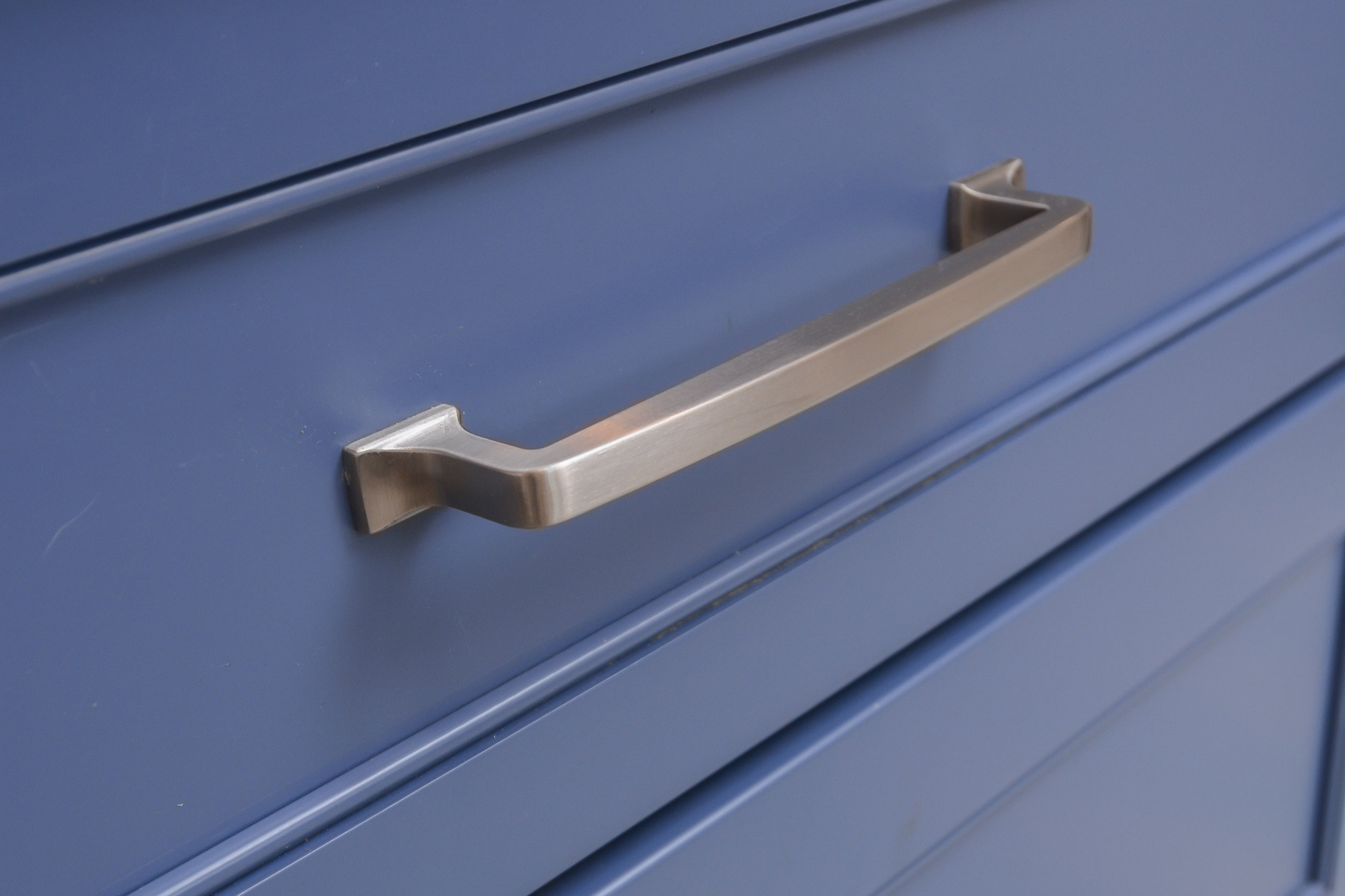 Drawer fronts match cabinet doors