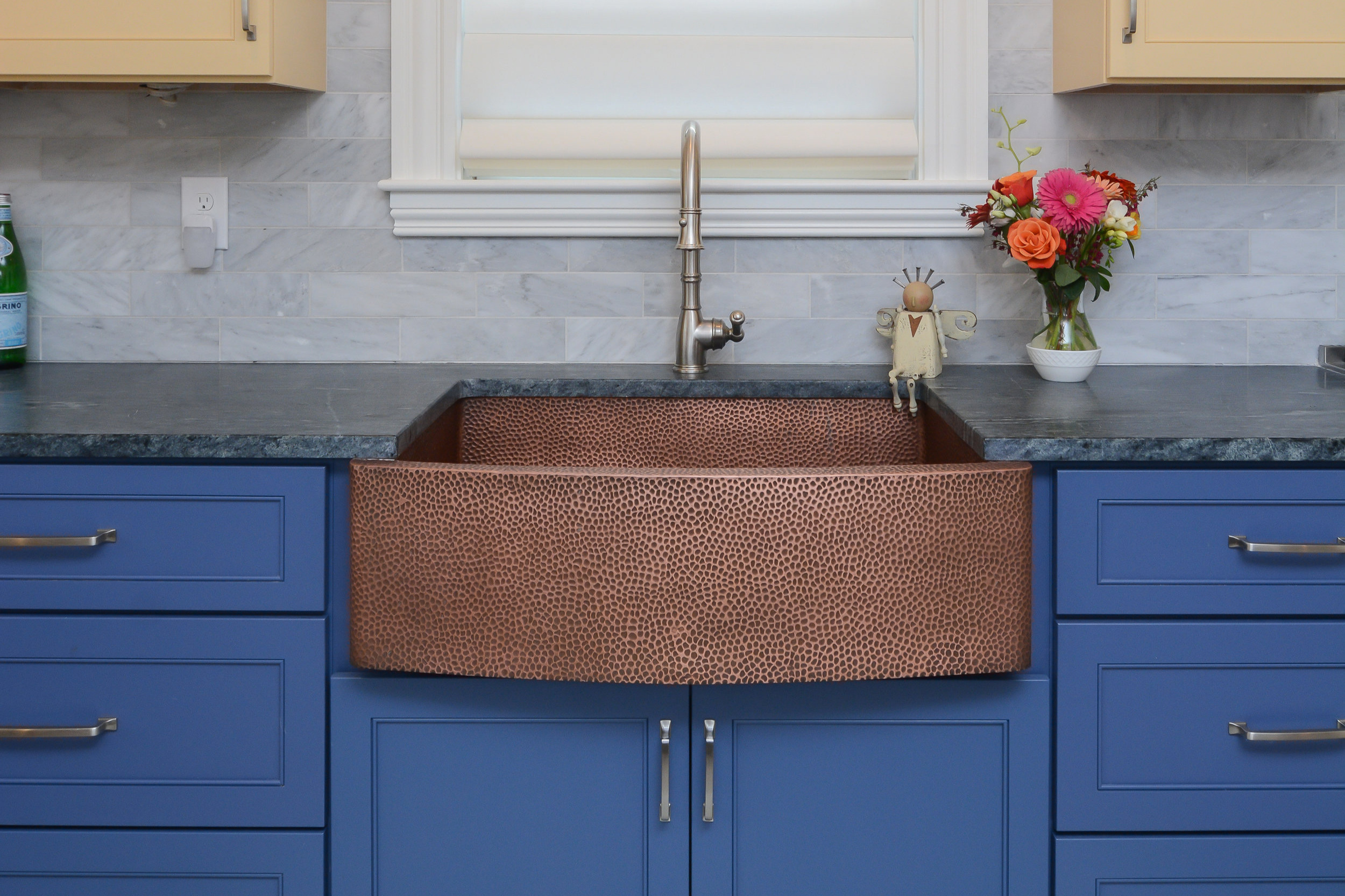 Hammered copper sink is the centerpiece