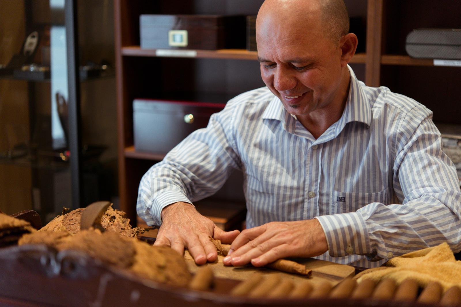 Lazaro Batista, Master Cigar Roller