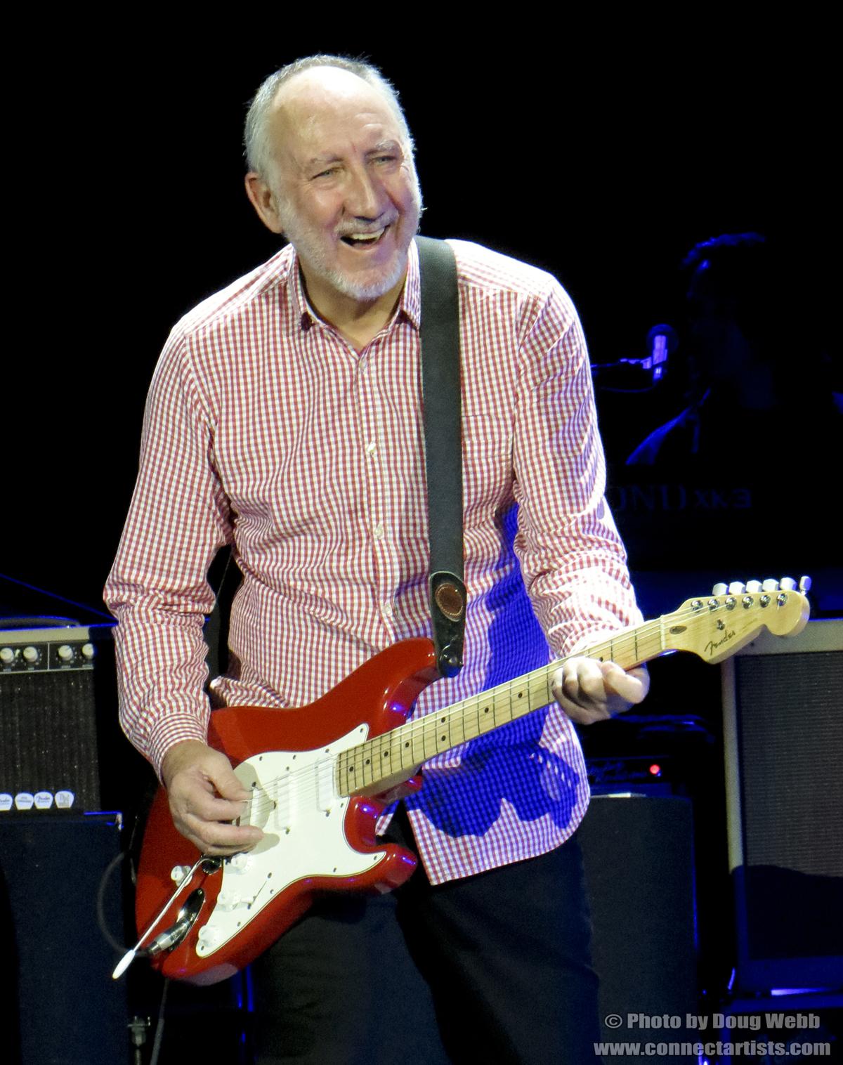 Pete Townshend / The Who / Target Center / Minneapolis, Minnesota / November 27th, 2012 / Photo by Doug Webb