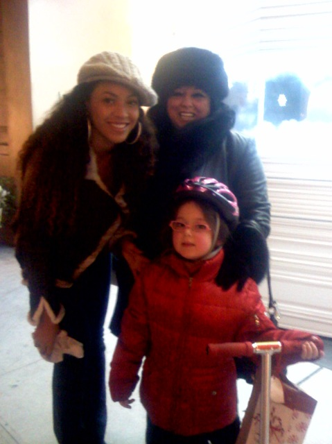 Beyonce Knowles, Marilyn Percansky and Basha Goldwater  On the Streets of New York City, New York / December 24th, 2007  Photo by Lisa Goldwater
