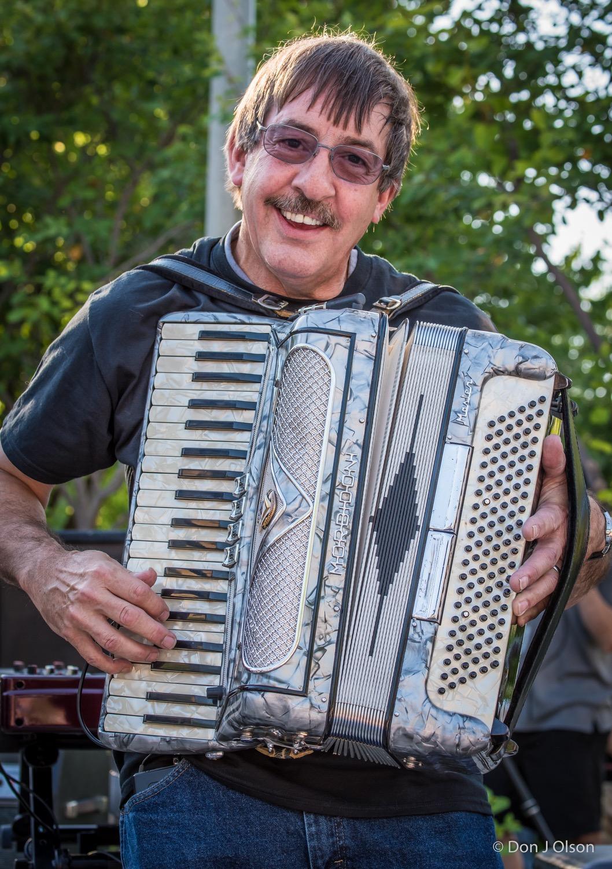 Jim Steinworth / The Veterans' Memorial Wolfe Park Amphitheater / St. Louis Park, Minnesota / August 1st, 2015
