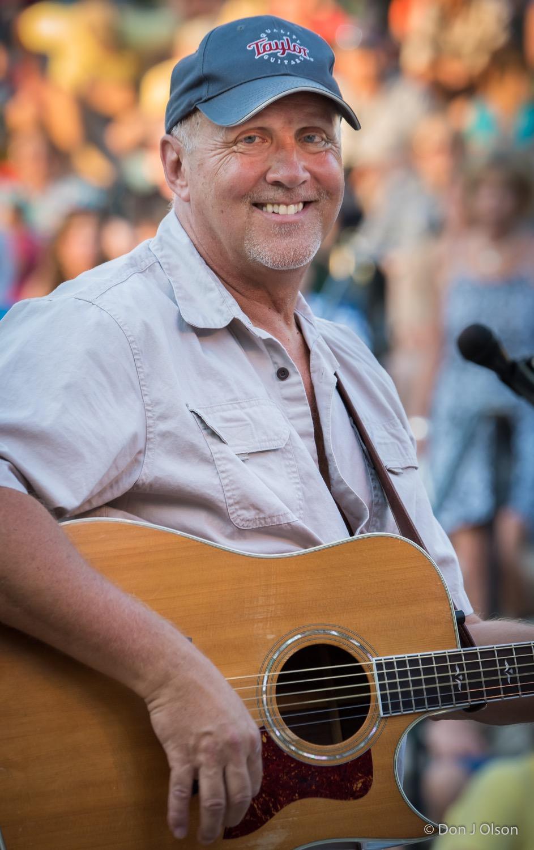 Jeff Dayton / The Veterans' Memorial Wolfe Park Amphitheater / St. Louis Park, Minnesota / August 1st, 2015