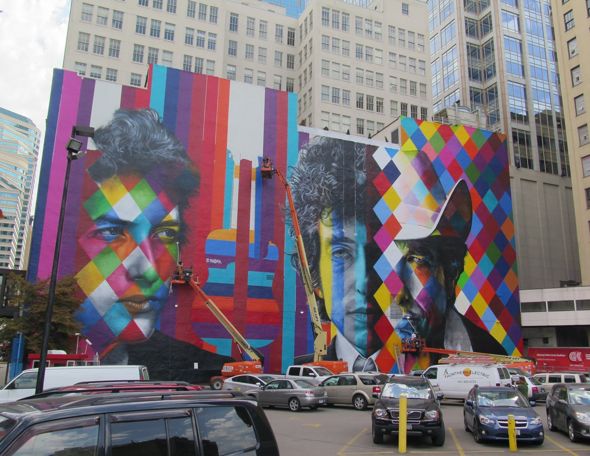 The Bob Dylan mural nears completion, Friday, Sept. 04.