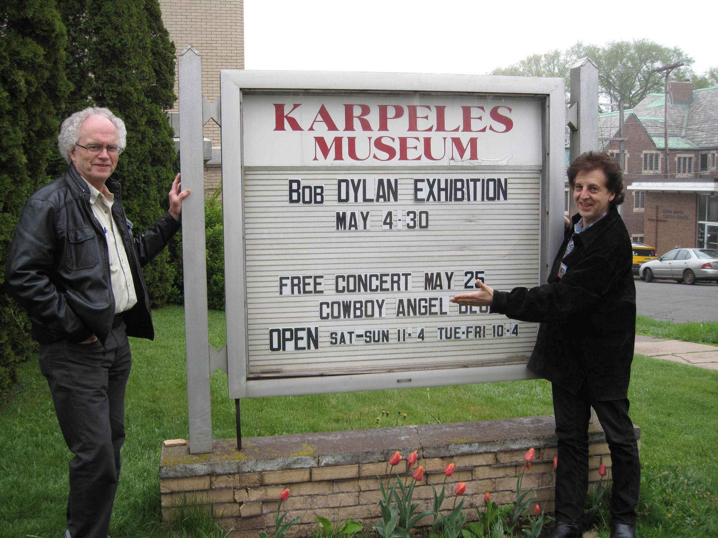 Bill Pagel and Magic Marc / Outside The Karpeles Manuscript Library Museum / Duluth, Minnesota / May 25th, 2016 / Photo by Kathleen