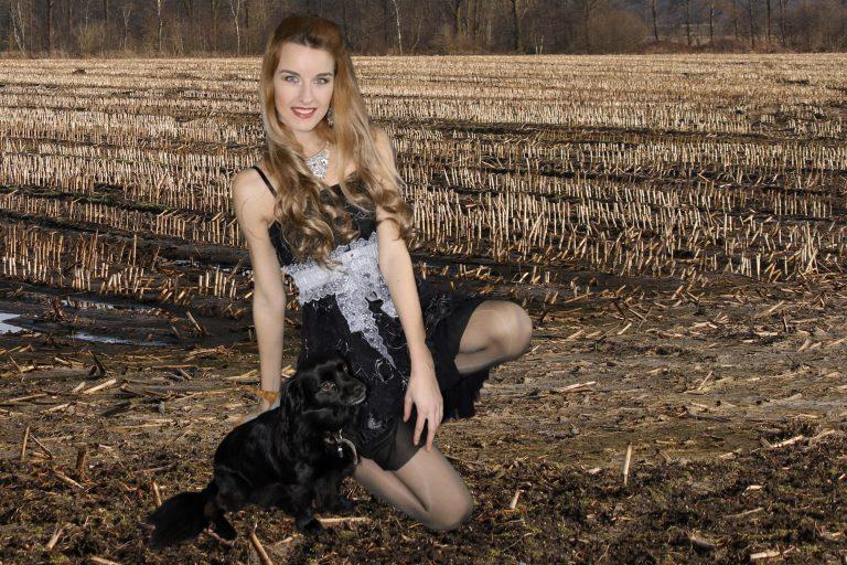 """Ivana Raymonda van der Veen and Sophie -  19 Digital Pictures """"Creative"""" (Exclusive)"""