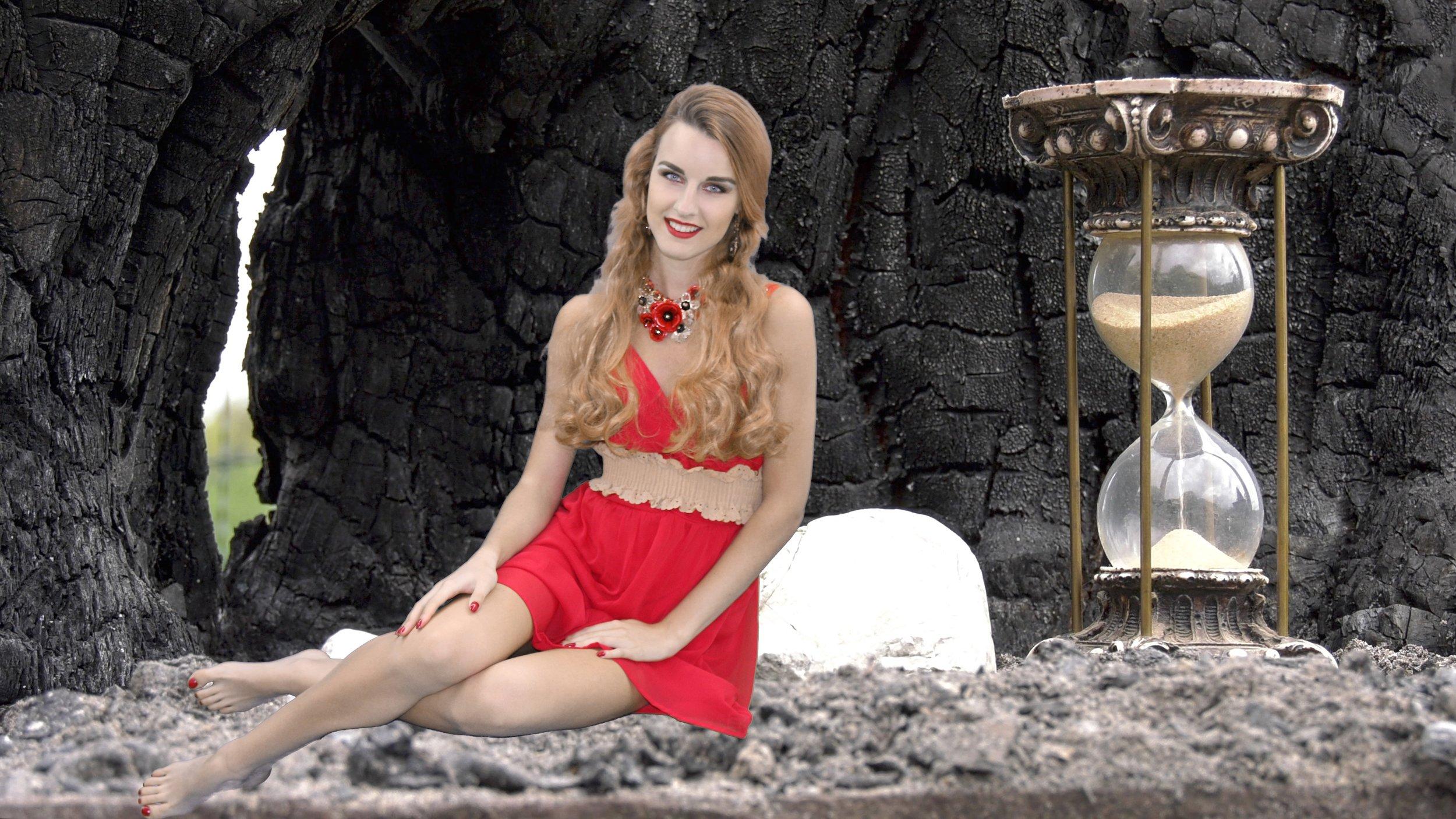 2017-05-14 Ivana Raymonda van der Veen - Hourglass (1).jpg