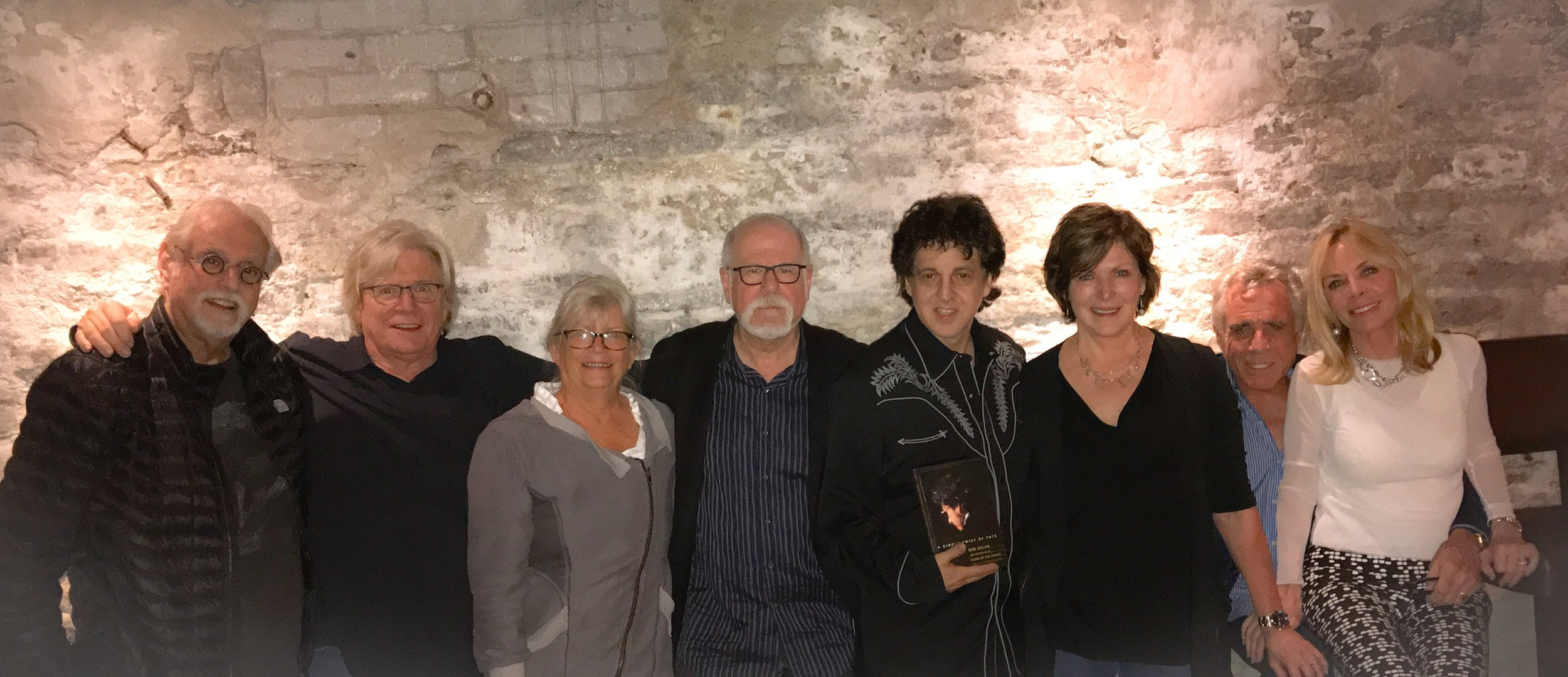 Victor's On Vinyl: Bob Dylan's Blood On The Tracks Dick Cohn, Kevin Odegard, Valerie Cohn, Jon Bream, Magic Marc, Susan Casey, Eric and Karen Paulson / The Lounge at Victors On Water / Excelsior, Minnesota / May 25th, 2017