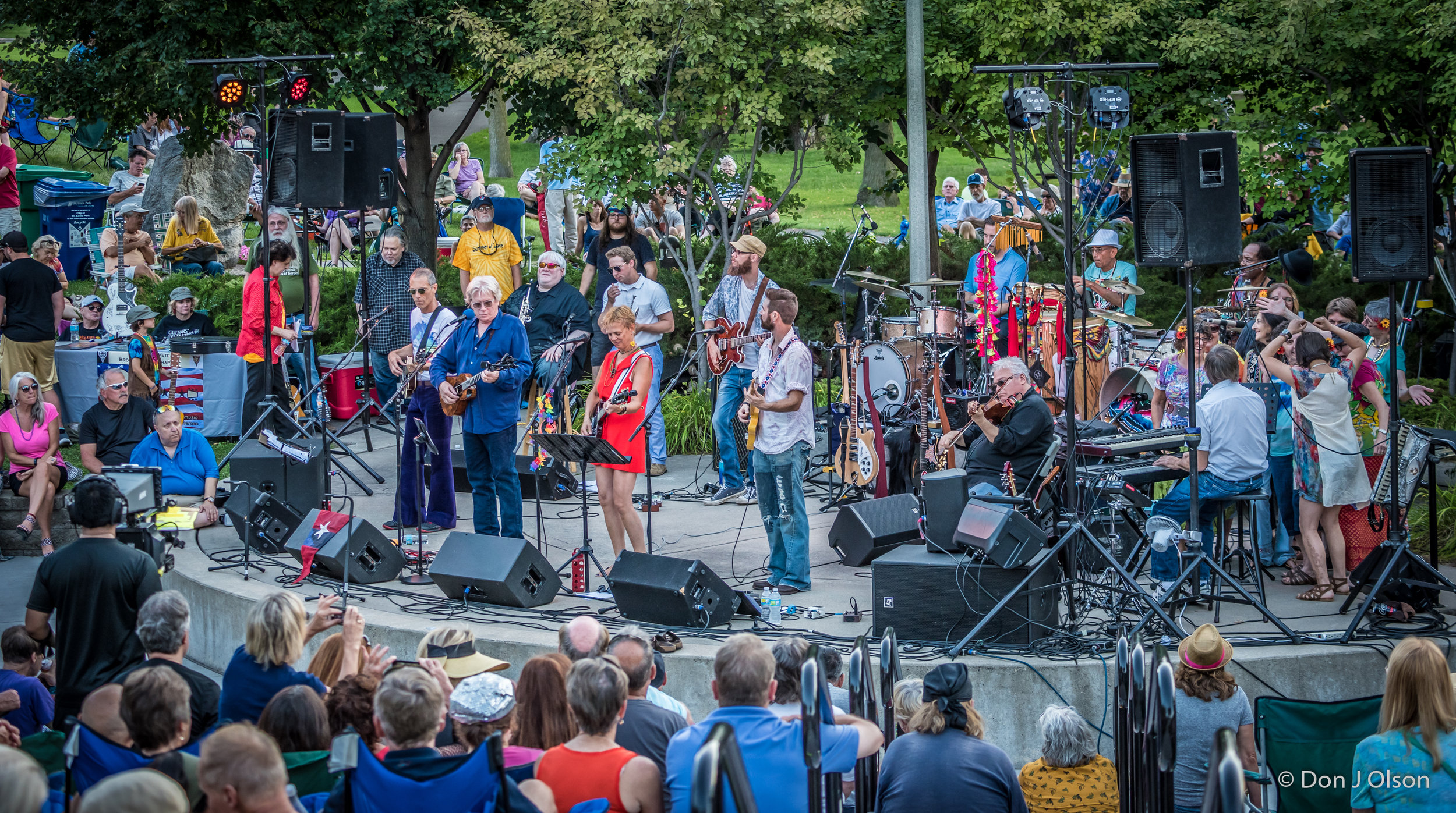 Summer Of Love Band / The Veterans' Memorial Wolfe Park Amphitheater / St. Louis Park, Minnesota / July 29th, 2017