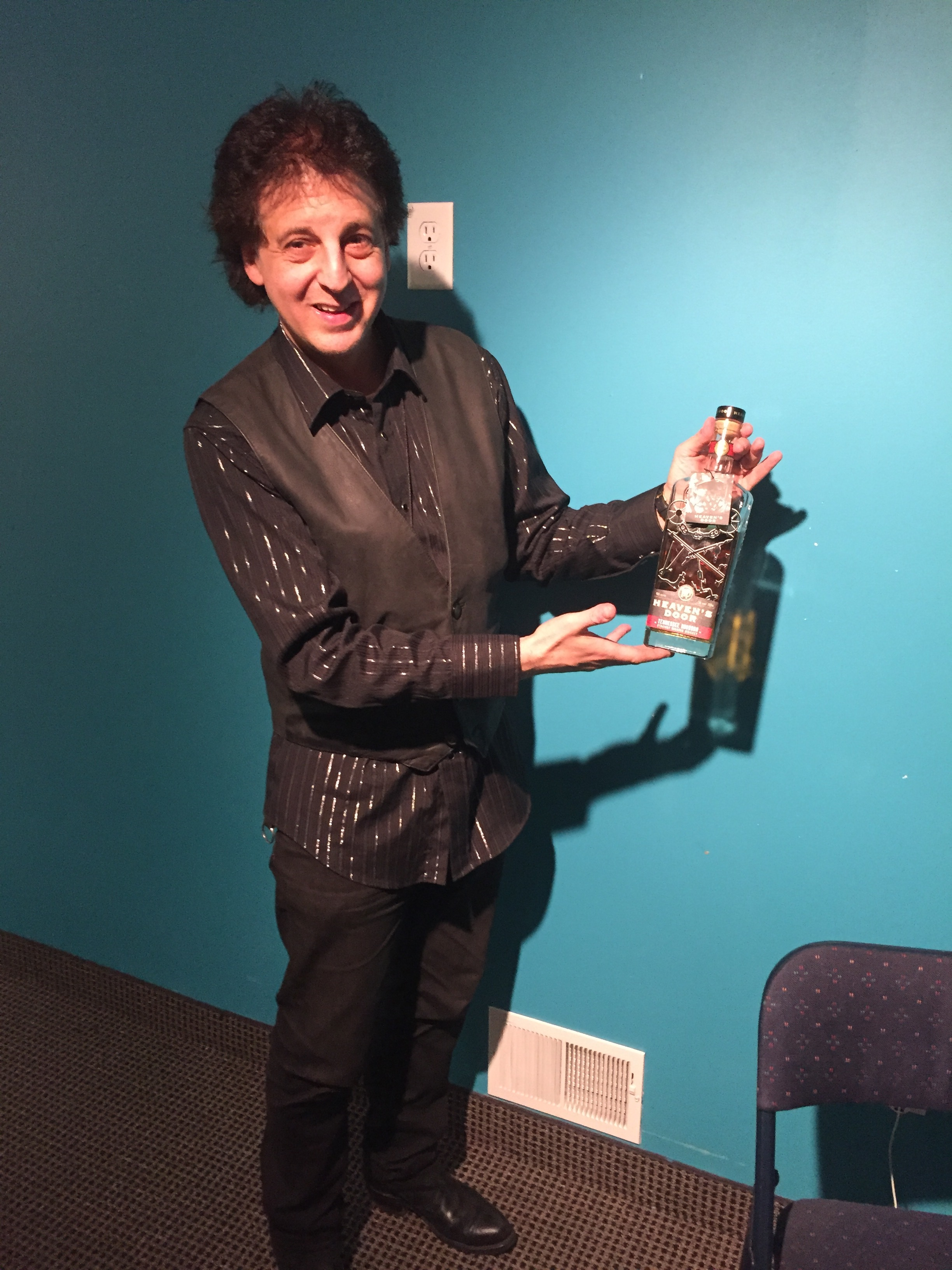 Magic Marc with  Heaven's Door Whiskey  Wall Of Power TV - Bob Dylan's More Blood, More Tracks - The Minneapolis Sessions  Metro Cable Network - Channel 6 Minneapolis, MN / October 23rd, 2018 / Photo by Nelson T. French