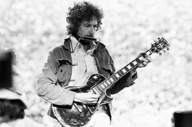 Alvan Meyerowitz/Michael Ochs Archives/Getty Images  Bob Dylan performs at Kezar Stadium in San Francisco on March 23, 1975.