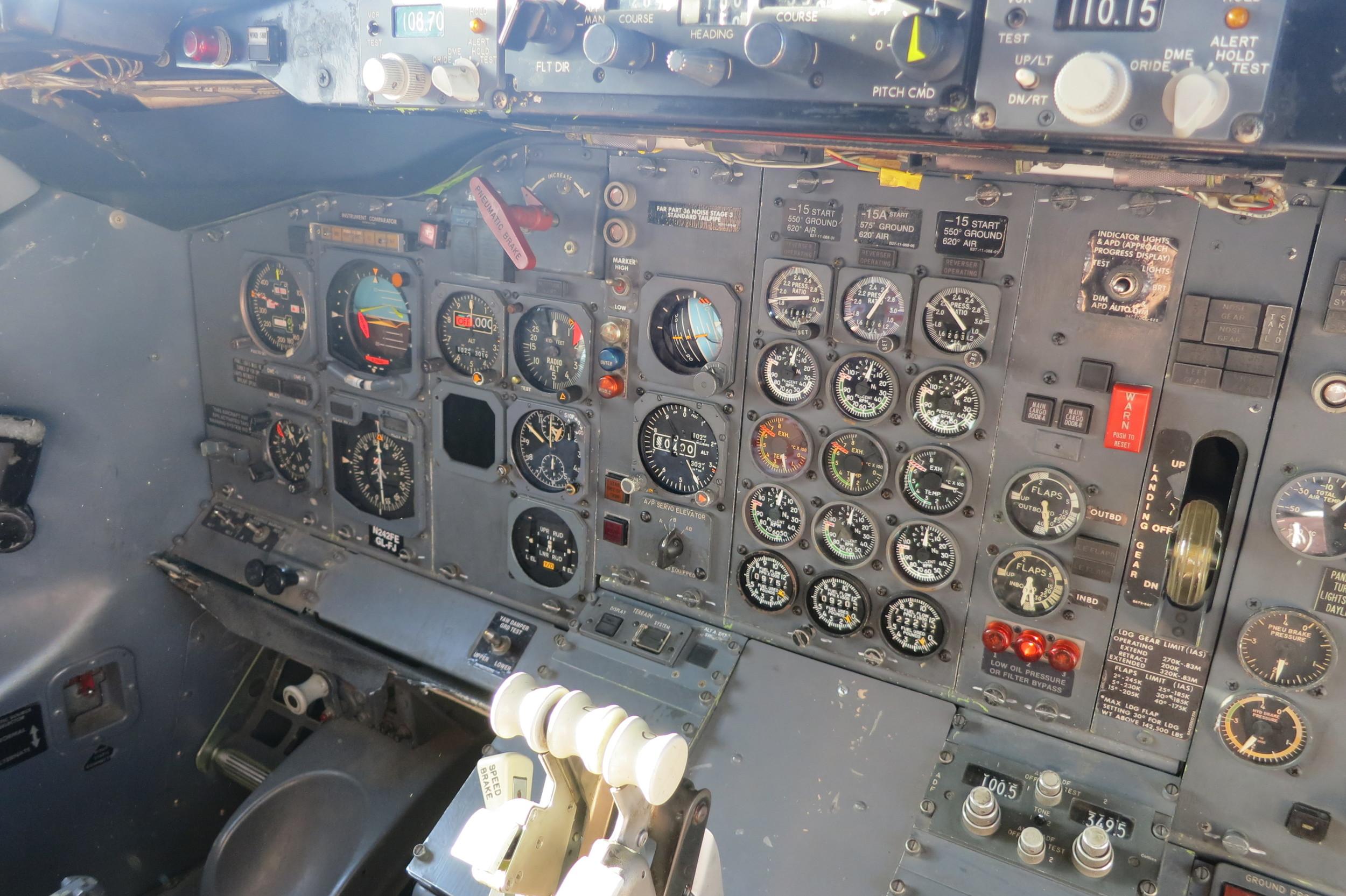 737 exhibit Cockpit