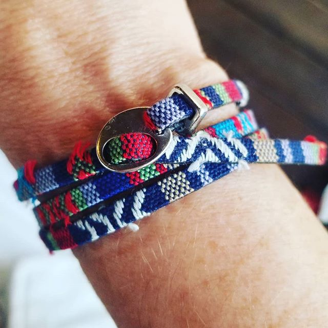 How cute is this 5 mm tribal print with silver pull thru clasp?! It wants you to take it on vacay this summer. It goes great with a tan.