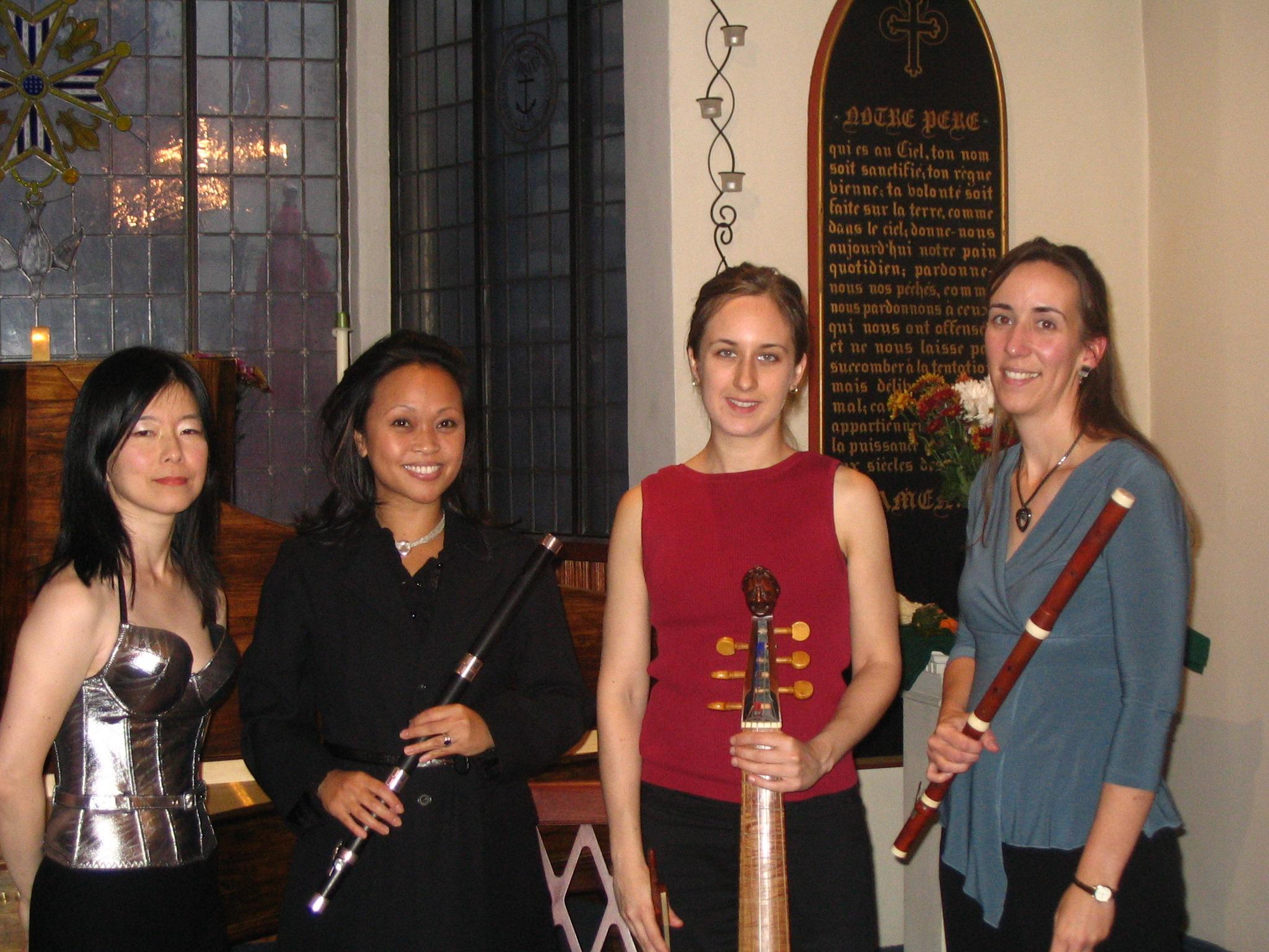 Nancy Kito (harpsichord), Elaine Vivar Camin (flute), Jessica Powell, (gamba), Susan Graham (flute)