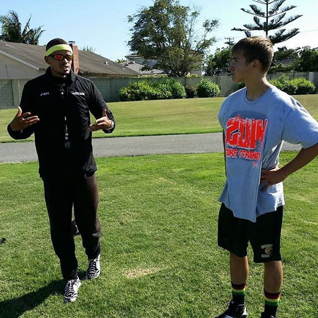 Coach Stirley working with Cameron Gonzalez on his sprint STARTS. #stirleyjones #speedwork #speedandagility #ocysa #ocysalife